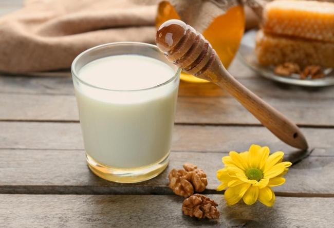 sữa tươi Cách làm trắng da toàn thân nhanh