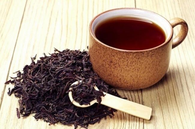 Cách trị rạn da bằng trà đen