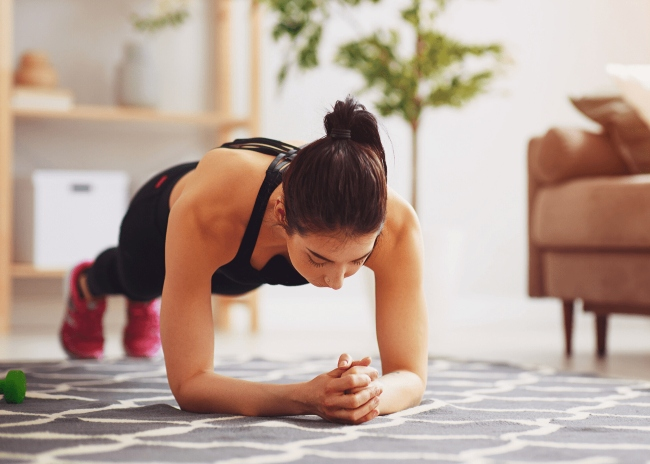 kết hợp tập thể dục cùng kem tan mỡ