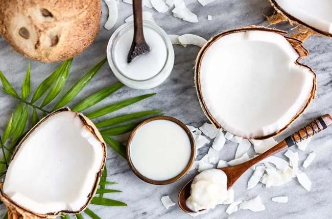 mặt nạ tự nhiên trị mụn bằng dầu dừa