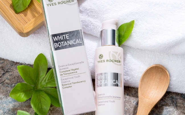 Sữa dưỡng da Yves Rocher White Botanical Exceptional Youth Emulsion