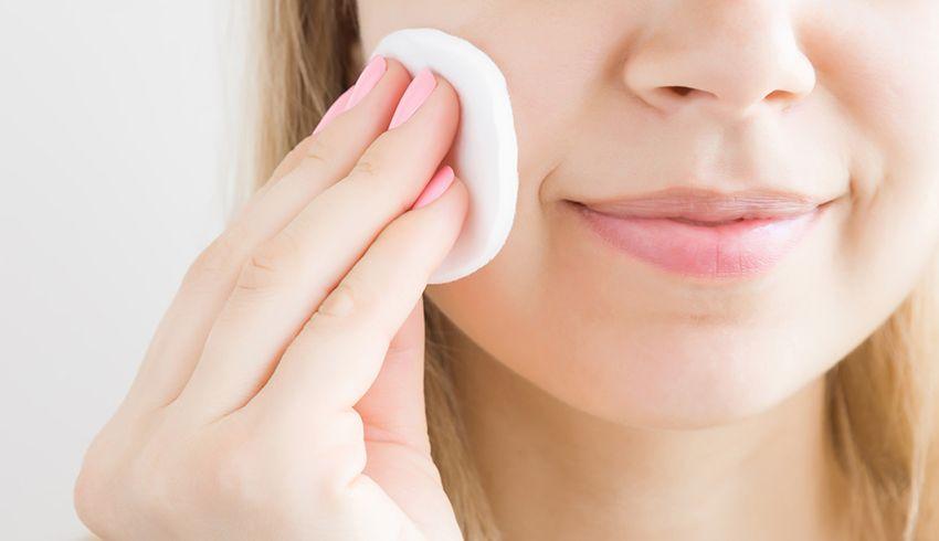 Tẩy trang làm sạch da